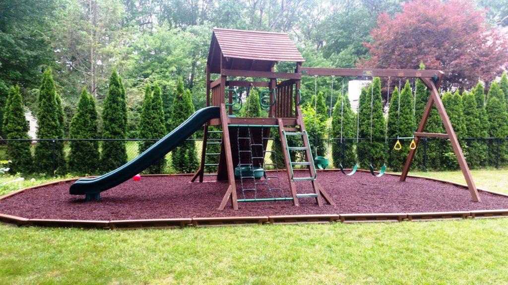 Norfolk w/Rubber Mulch & Plastice Borders Playground